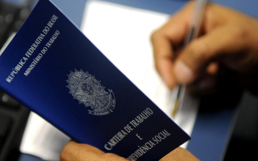 Saiba como tirar sua carteira de trabalho e não perca o agendamento (Foto: Tony Winston/Agência Brasília)