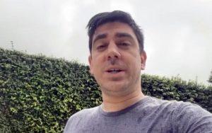 Sucesso no Twitter, Marcelo Adnet narrando CPI da Covid vai pra Globoplay